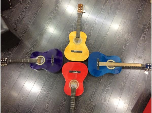 Segovia Klasik Gitar 3/4 Boy - Kılıf + Pena + Tuner + Tel Hediye
